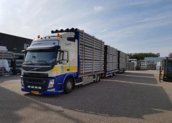 LZV Langere en Zwaardere Vrachtautocombinatie Transport PVC Buizen